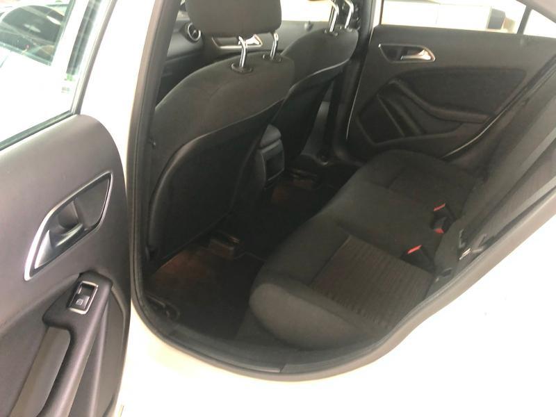 Photo 12 de l'offre de MERCEDES-BENZ Classe A 180 d Intuition à 19900€ chez Aubin automobiles