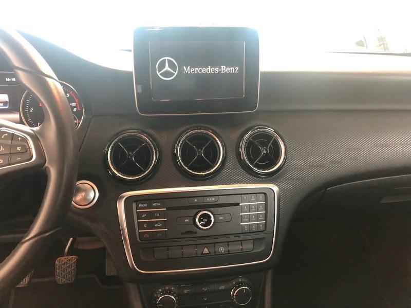 Photo 9 de l'offre de MERCEDES-BENZ Classe A 180 d Intuition à 19900€ chez Aubin automobiles