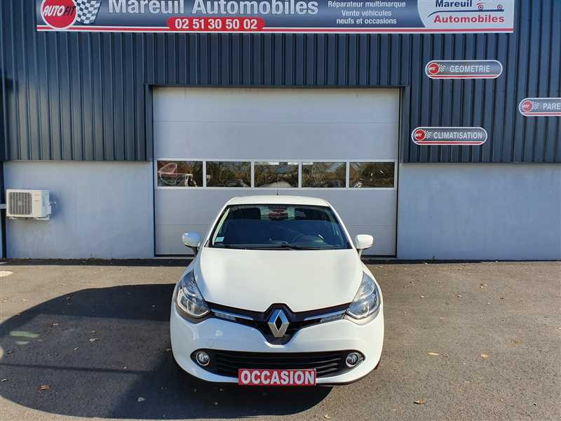 Photo 18 de l'offre de RENAULT CLIO IV CLIO IV 1.5DCI BUSINESS à 7950€ chez Mareuil automobiles