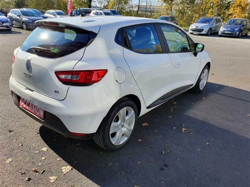 Photo 3 de l'offre de RENAULT CLIO IV CLIO IV 1.5DCI BUSINESS à 7950€ chez Mareuil automobiles