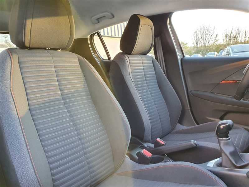Photo 4 de l'offre de PEUGEOT 208 II 1.2PURETECH 75 S&S à 16190€ chez Mareuil automobiles