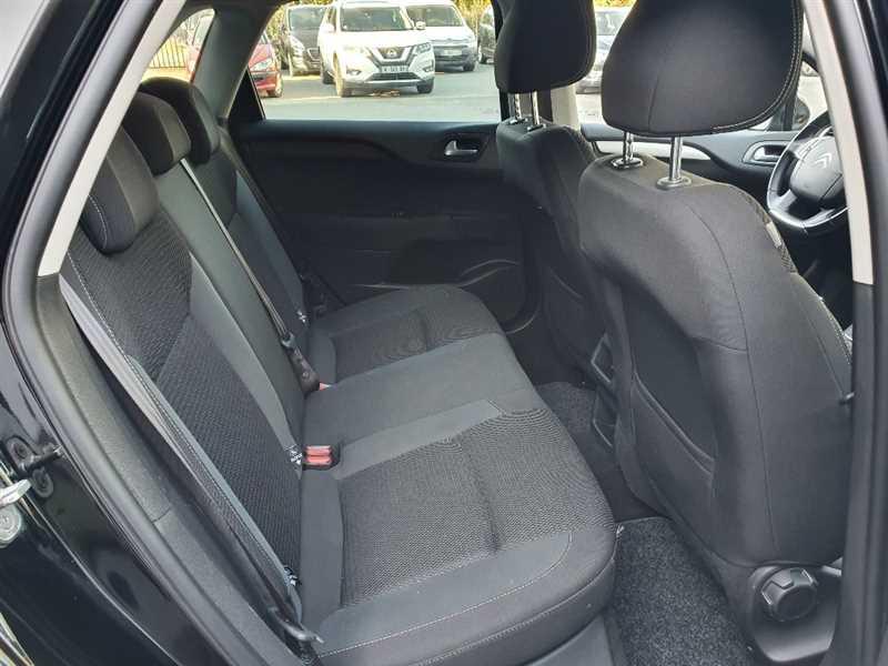 Photo 5 de l'offre de CITROEN C4 C4 II HDI 120 BUSINESS à 9490€ chez Mareuil automobiles