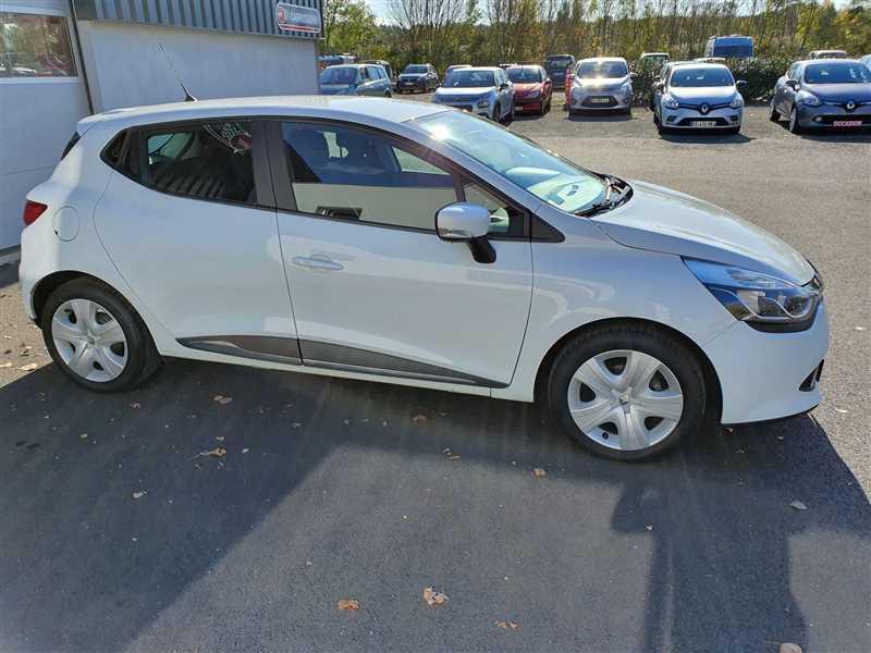 Photo 17 de l'offre de RENAULT CLIO IV CLIO IV 1.5DCI BUSINESS à 7950€ chez Mareuil automobiles