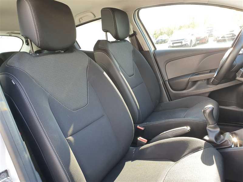 Photo 13 de l'offre de RENAULT CLIO IV CLIO IV 1.5DCI BUSINESS à 7950€ chez Mareuil automobiles