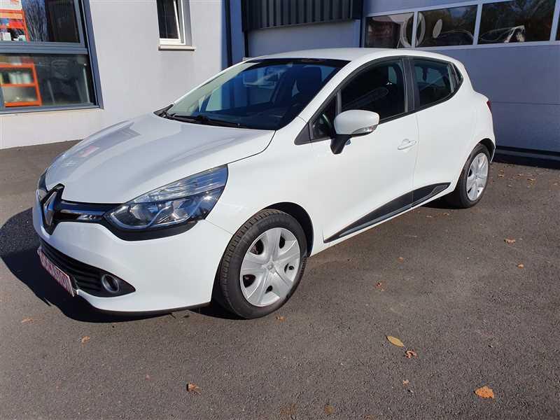 Photo 2 de l'offre de RENAULT CLIO IV CLIO IV 1.5DCI BUSINESS à 7950€ chez Mareuil automobiles