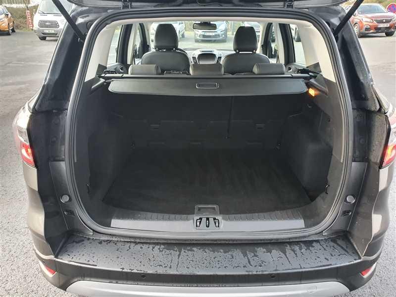 Photo 13 de l'offre de FORD KUGA KUGA 2.0 TDCI 150 TITANIUM à 17980€ chez Mareuil automobiles