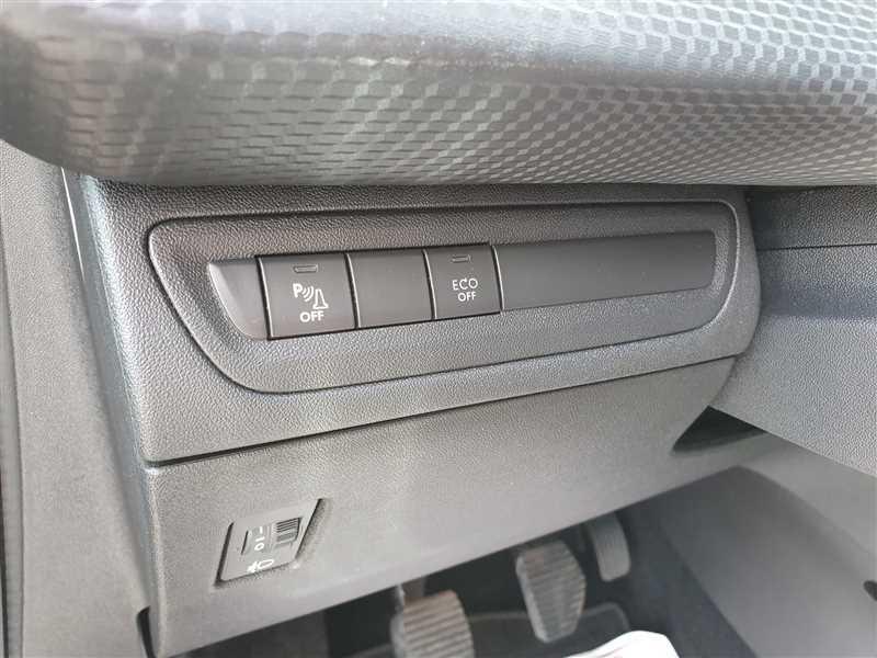 Photo 12 de l'offre de PEUGEOT 2008 2008 PH2 1.6BLUEHDI 120CH ALLURE à 14500€ chez Mareuil automobiles