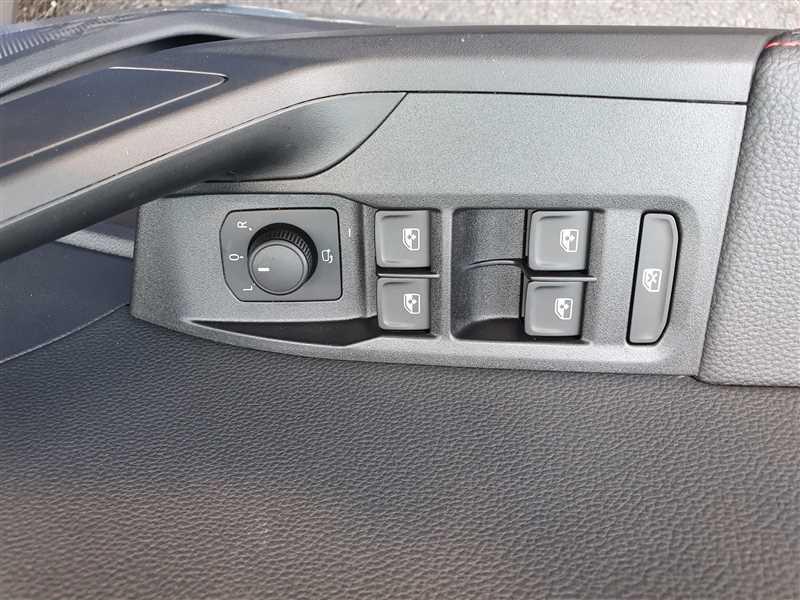 Photo 13 de l'offre de SEAT ARONA ARONA FR 1.0EcoTSI 110 DSG7 S&S à 21950€ chez Mareuil automobiles