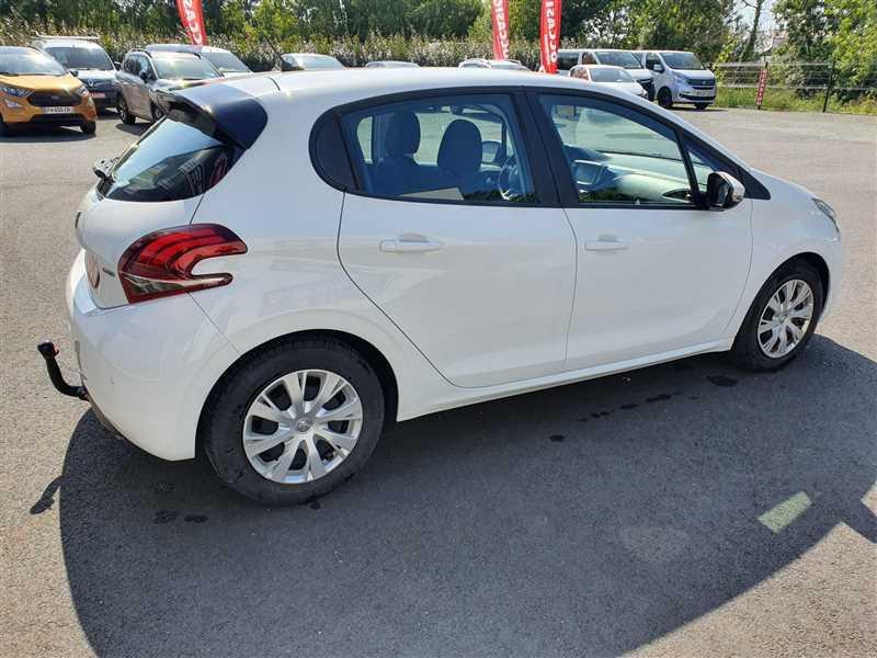 Photo 15 de l'offre de PEUGEOT 208 208 1.6 HDI 75 ACTIVE BUSINESS à 8890€ chez Mareuil automobiles
