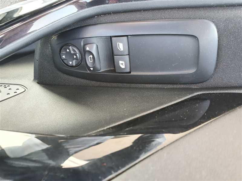 Photo 11 de l'offre de PEUGEOT 208 208 1.6 HDI 75 ACTIVE BUSINESS à 8890€ chez Mareuil automobiles
