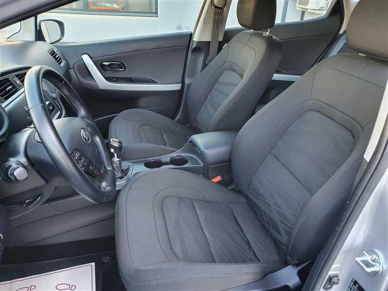 Photo 7 de l'offre de KIA CEE D CEE'D 1.6 CRDI 110 ACTIVE BUSINESS à 10290€ chez Mareuil automobiles