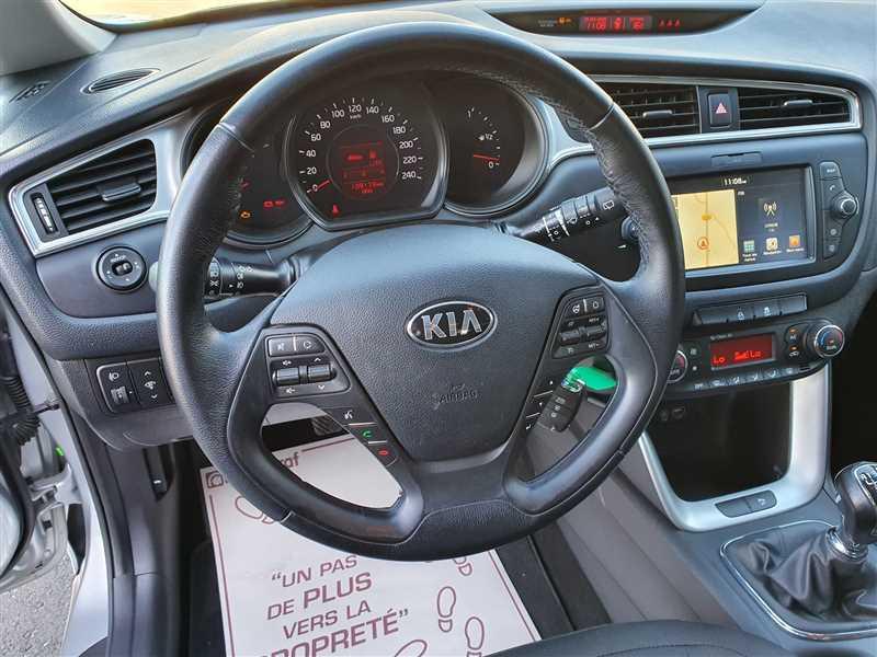 Photo 4 de l'offre de KIA CEE D CEE'D 1.6 CRDI 110 ACTIVE BUSINESS à 10290€ chez Mareuil automobiles