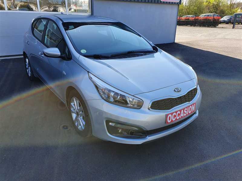 Photo 17 de l'offre de KIA CEE D CEE'D 1.6 CRDI 110 ACTIVE BUSINESS à 10290€ chez Mareuil automobiles