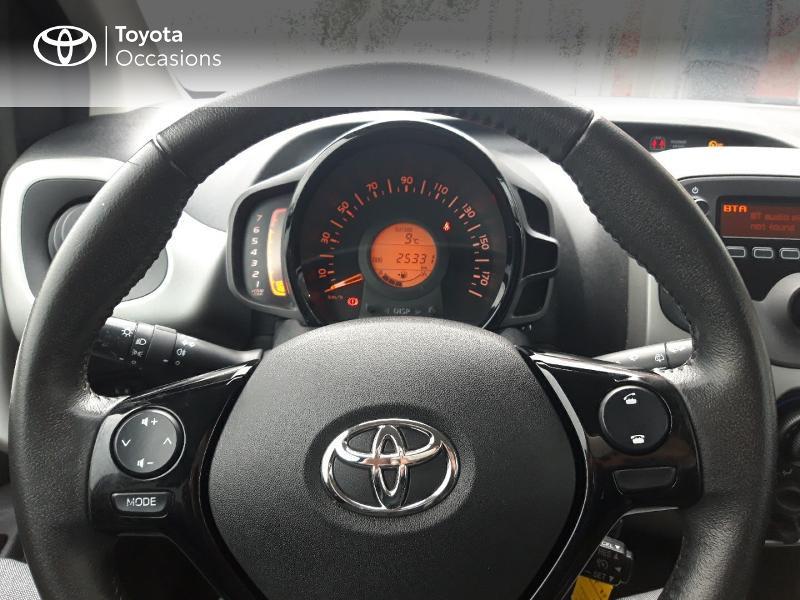 Photo 13 de l'offre de TOYOTA Aygo 1.0 VVT-i 69ch x-play 3p à 8400€ chez Horizon Concarneau