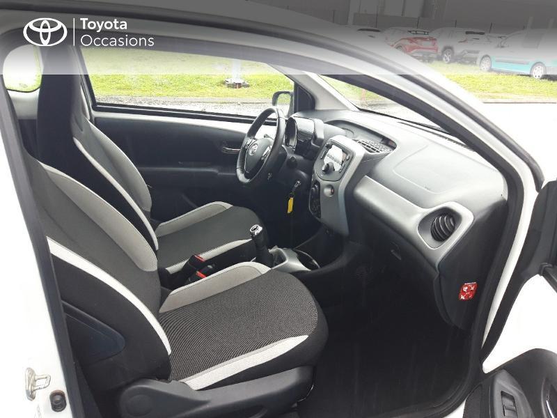 Photo 6 de l'offre de TOYOTA Aygo 1.0 VVT-i 69ch x-play 3p à 8400€ chez Horizon Concarneau