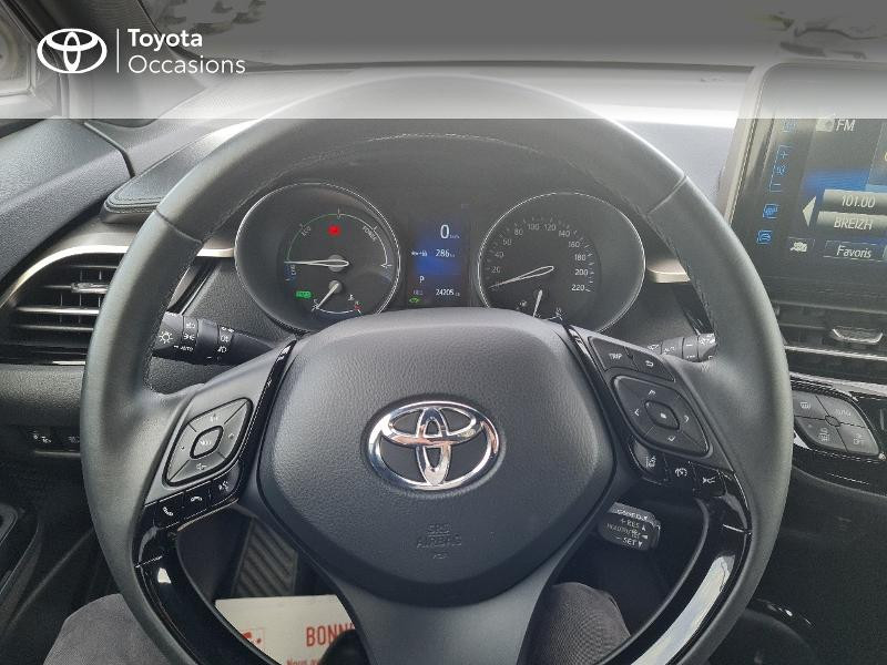 Photo 13 de l'offre de TOYOTA C-HR 122h Edition 2WD E-CVT RC18 à 21490€ chez Horizon Concarneau