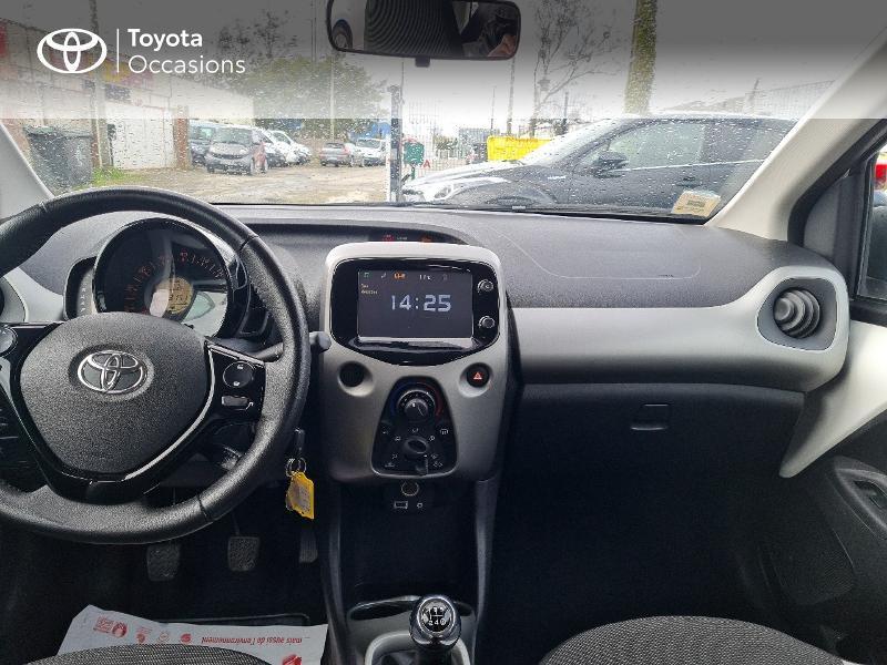 Photo 8 de l'offre de TOYOTA Aygo 1.0 VVT-i 69ch x-play 5p à 8400€ chez Horizon Concarneau