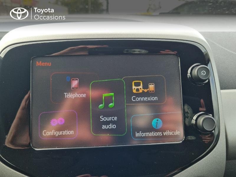 Photo 15 de l'offre de TOYOTA Aygo 1.0 VVT-i 69ch x-play 5p à 8400€ chez Horizon Concarneau