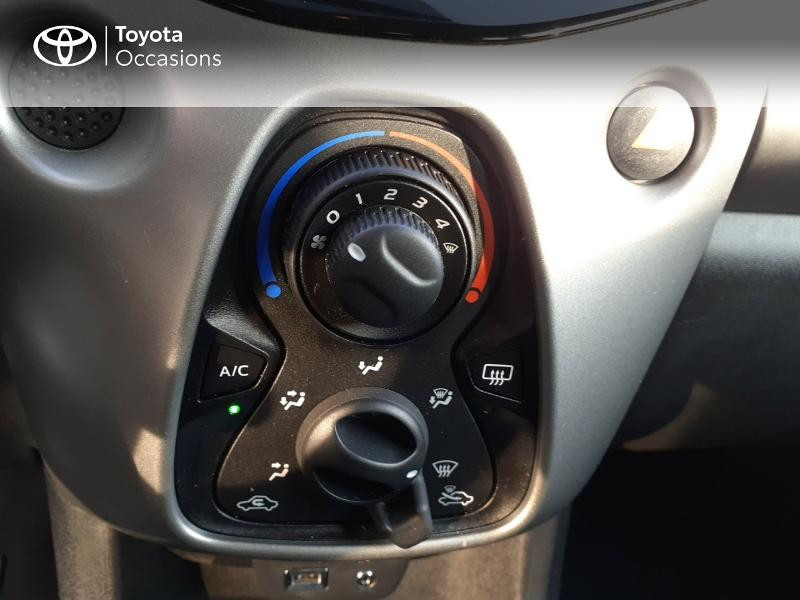 Photo 22 de l'offre de TOYOTA Aygo 1.0 VVT-i 69ch x-play 5p à 9400€ chez Horizon Carhaix