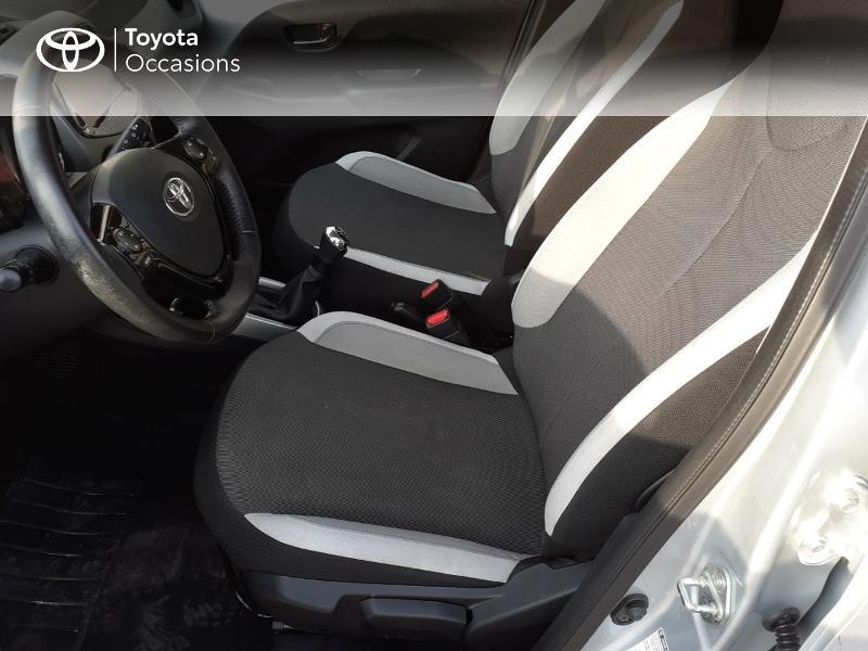 Photo 11 de l'offre de TOYOTA Aygo 1.0 VVT-i 69ch x-play 5p à 9400€ chez Horizon Carhaix