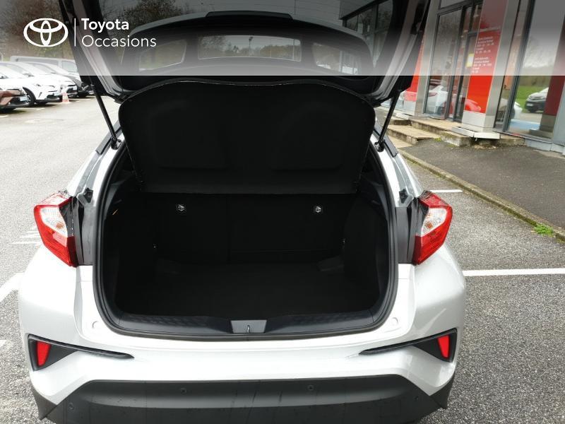 Photo 10 de l'offre de TOYOTA C-HR 122h Edition 2WD E-CVT RC18 à 22980€ chez Horizon Quimper
