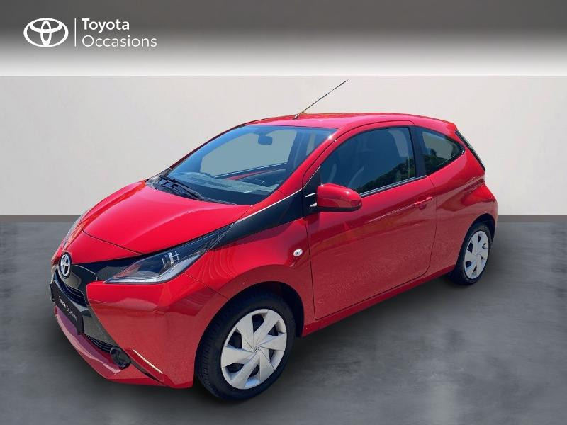 Toyota Aygo 1.0 VVT-i 69ch x-play 3p Essence ROUGE CHILIEN Occasion à vendre