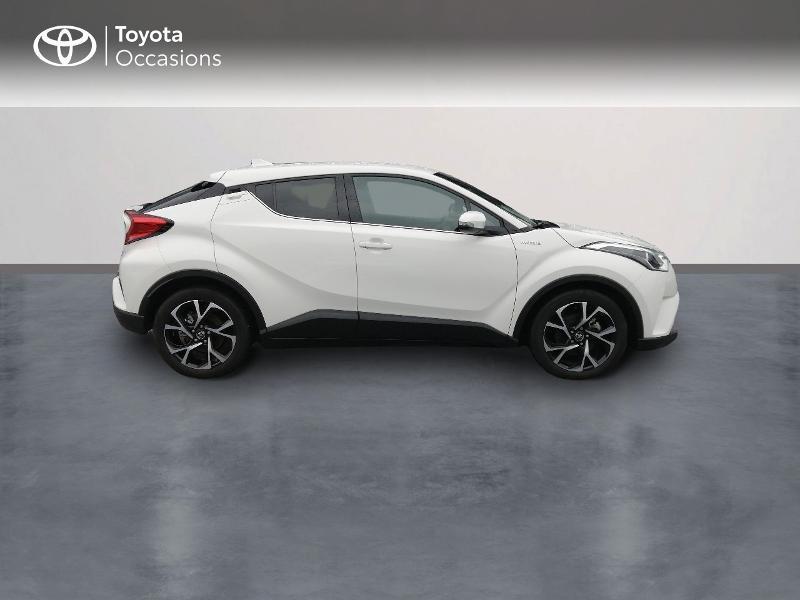 Photo 3 de l'offre de TOYOTA C-HR 122h Edition 2WD E-CVT RC18 à 22600€ chez Horizon Quimper