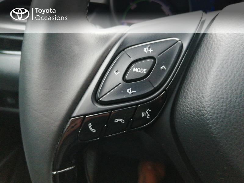 Photo 17 de l'offre de TOYOTA C-HR 122h Edition 2WD E-CVT RC18 à 22600€ chez Horizon Quimper