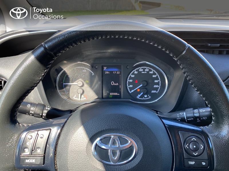 Photo 13 de l'offre de TOYOTA Yaris 100h Dynamic Business 5p à 12800€ chez Horizon Quimper