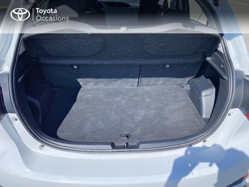 Photo 10 de l'offre de TOYOTA Yaris 100h Dynamic Business 5p à 12800€ chez Horizon Quimper