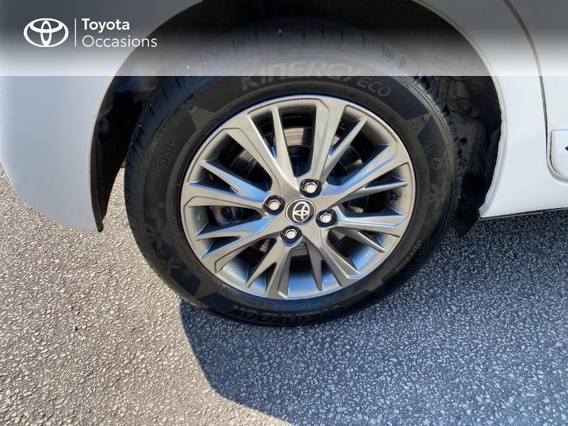 Photo 16 de l'offre de TOYOTA Yaris 100h Dynamic Business 5p à 12800€ chez Horizon Quimper