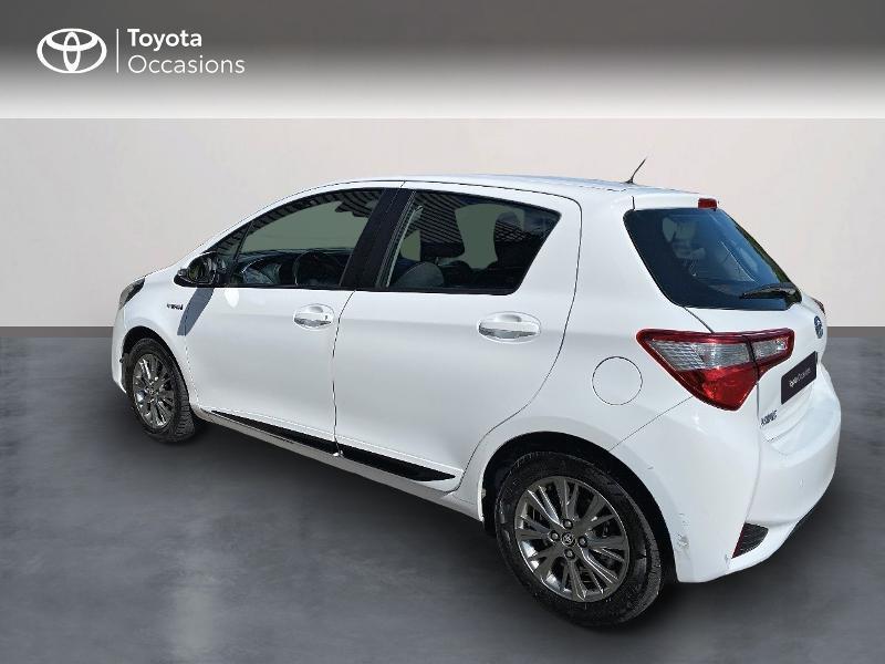 Photo 2 de l'offre de TOYOTA Yaris 100h Dynamic Business 5p à 12800€ chez Horizon Quimper