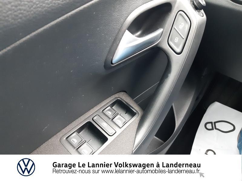 Photo 19 de l'offre de VOLKSWAGEN Polo 1.0 60ch Edition 2017 5p à 11410€ chez Garage Le Lannier - Volkswagen Landerneau