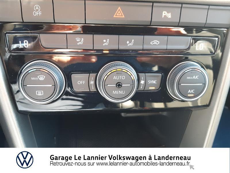 Photo 19 de l'offre de VOLKSWAGEN T-Roc 1.0 TSI 110ch Lounge à 23410€ chez Garage Le Lannier - Volkswagen Landerneau
