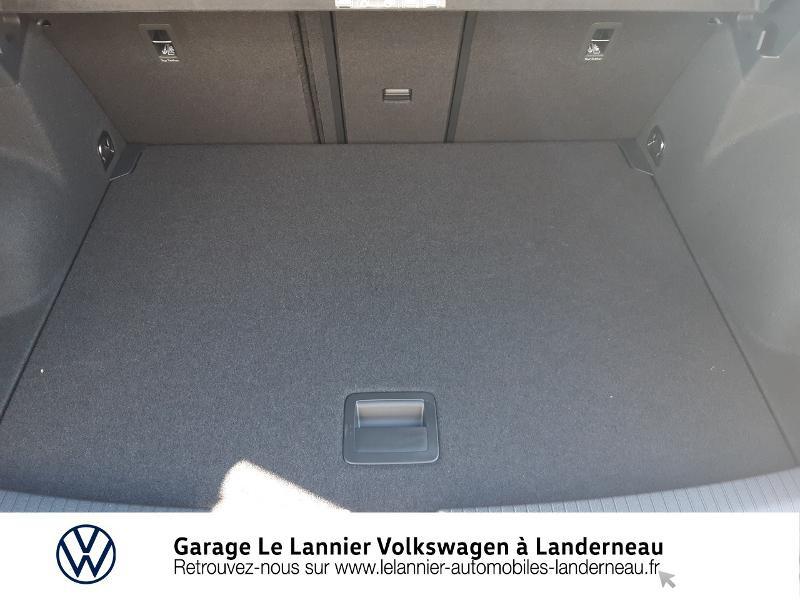 Photo 12 de l'offre de VOLKSWAGEN T-Roc 1.0 TSI 110ch Lounge à 23410€ chez Garage Le Lannier - Volkswagen Landerneau