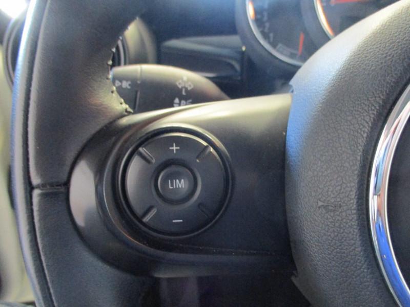 Photo 11 de l'offre de MINI MINI ONE 102CH SALT EURO6D-T à 15390€ chez L'automobile By Bacchi-Bouteille