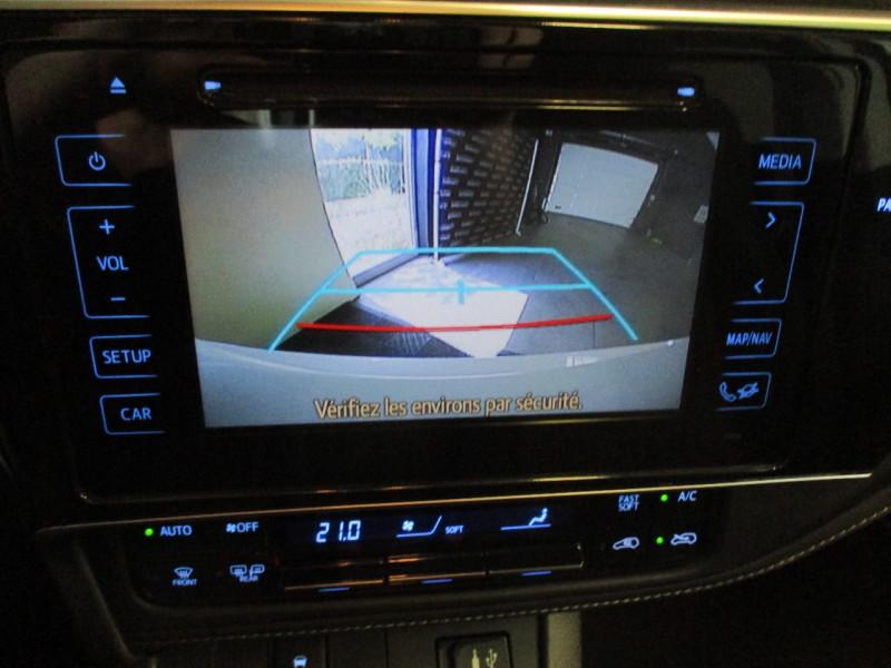 Photo 18 de l'offre de TOYOTA AURIS HSD 136H COLLECTION RC18 à 16990€ chez L'automobile By Bacchi-Bouteille