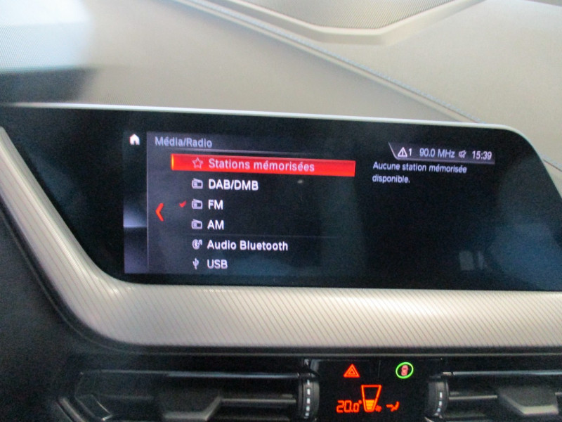 Photo 20 de l'offre de BMW SERIE 1 (F40) 118DA 150CH M SPORT à 33900€ chez L'automobile By Bacchi-Bouteille