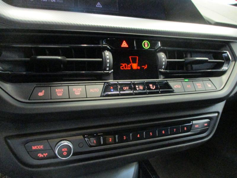 Photo 19 de l'offre de BMW SERIE 1 (F40) 118DA 150CH M SPORT à 33900€ chez L'automobile By Bacchi-Bouteille
