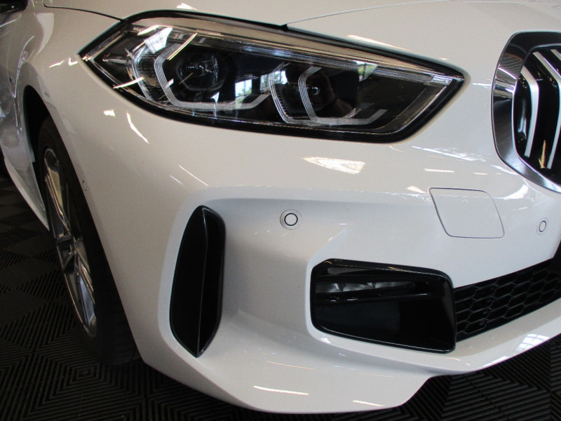 Photo 8 de l'offre de BMW SERIE 1 (F40) 118DA 150CH M SPORT à 33900€ chez L'automobile By Bacchi-Bouteille