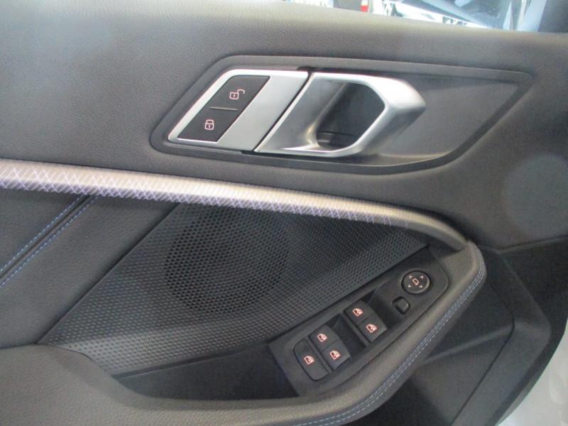 Photo 12 de l'offre de BMW SERIE 1 (F40) 118DA 150CH M SPORT à 33900€ chez L'automobile By Bacchi-Bouteille