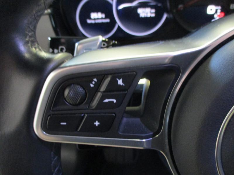 Photo 18 de l'offre de PORSCHE PANAMERA 3.0 V6 330CH 4 à 68950€ chez L'automobile By Bacchi-Bouteille