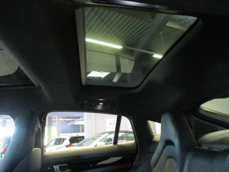 Photo 30 de l'offre de PORSCHE PANAMERA 3.0 V6 330CH 4 à 68950€ chez L'automobile By Bacchi-Bouteille