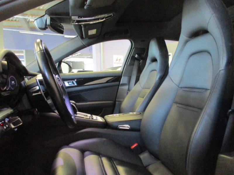 Photo 14 de l'offre de PORSCHE PANAMERA 3.0 V6 330CH 4 à 68950€ chez L'automobile By Bacchi-Bouteille