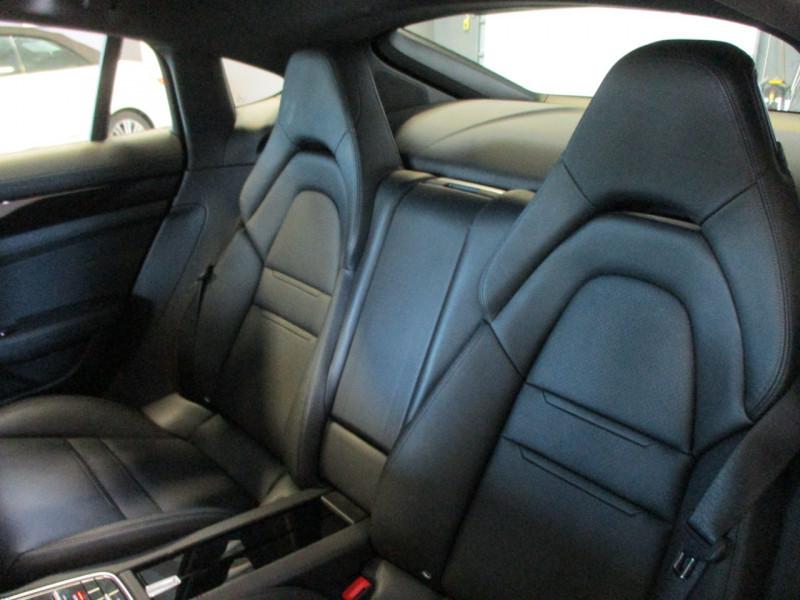 Photo 28 de l'offre de PORSCHE PANAMERA 3.0 V6 330CH 4 à 68950€ chez L'automobile By Bacchi-Bouteille