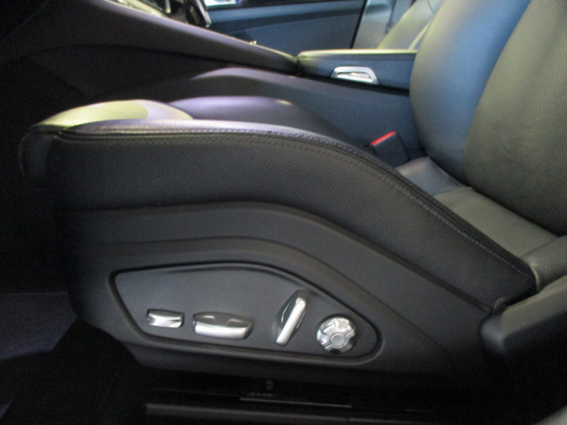 Photo 15 de l'offre de PORSCHE PANAMERA 3.0 V6 330CH 4 à 68950€ chez L'automobile By Bacchi-Bouteille