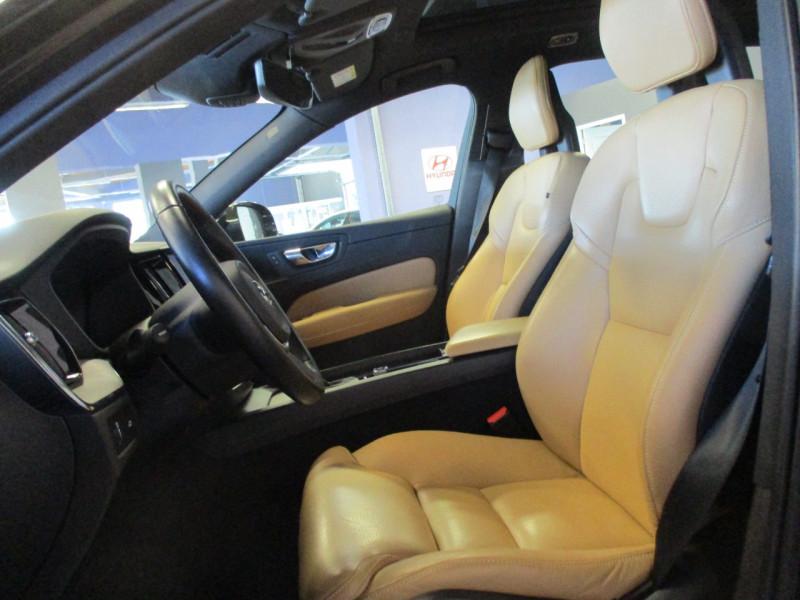 Photo 10 de l'offre de VOLVO XC60 D5 ADBLUE AWD 235CH INSCRIPTION LUXE GEARTRONIC à 44900€ chez L'automobile By Bacchi-Bouteille