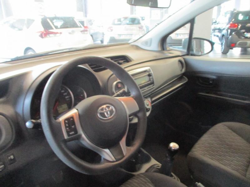 Photo 7 de l'offre de TOYOTA YARIS 69 VVT-I ACTIVE 5P à 6990€ chez L'automobile By Bacchi-Bouteille