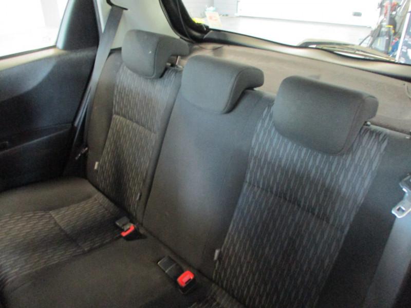 Photo 12 de l'offre de TOYOTA YARIS 69 VVT-I ACTIVE 5P à 6990€ chez L'automobile By Bacchi-Bouteille