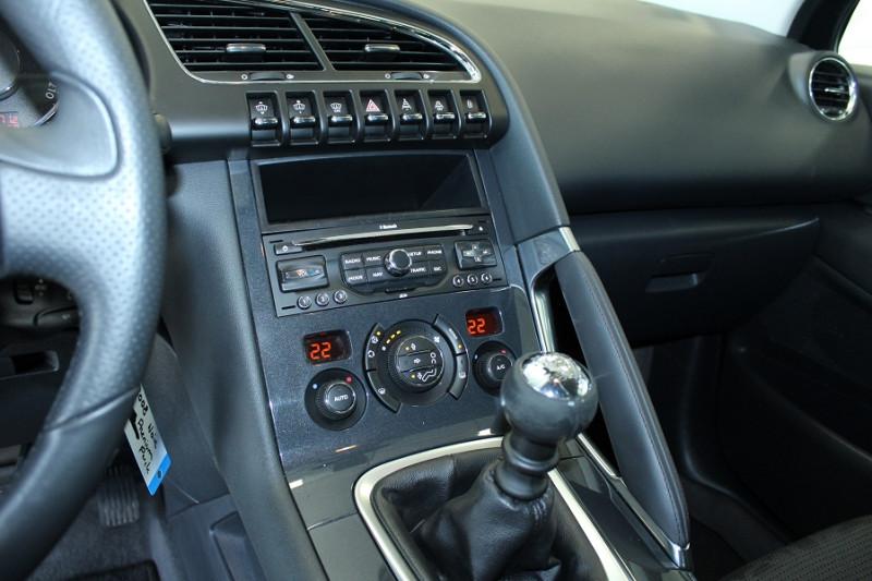 Photo 11 de l'offre de PEUGEOT 3008 1.6 HDI112 FAP PREMIUM PACK à 6990€ chez BMC Autos 47